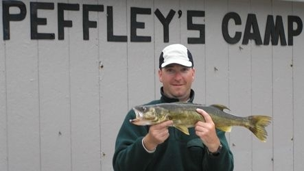 normal_Greg Jones Walleye 001