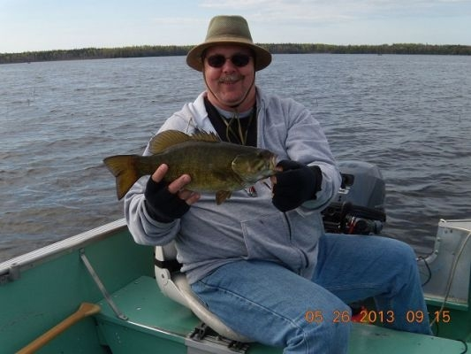 normal_Joh Christensen with smallmouth